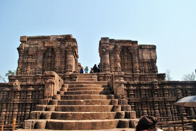 Ancient History Hindu India KONARK TEMPLE Sun Temple Konark, Orissa Ancient Architecture Ancient Ruins Bhubaneswar Hindu Temple History Architecture Indian Architecture Konark Sun Temple Odisha Odishatourism Breathing Space Investing In Quality Of Life Your Ticket To Europe