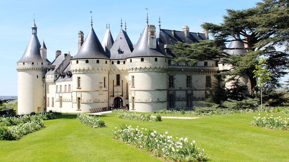 Castle Castle View  France🇫🇷 Château De Chaumont-sur-Loire Architecture Outdoors Building Exterior Grass Castle Day Built Structure History No People Sky Nature EyeEmNewHere