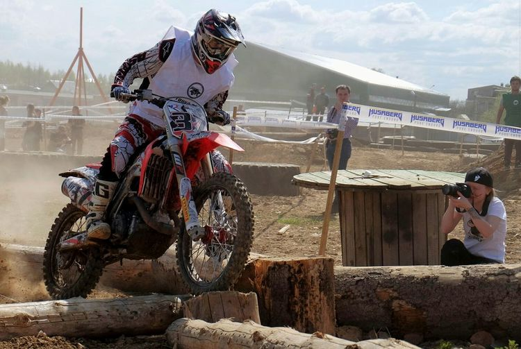 Enduro Racing Victory Cup Motorcyclepeople Endurocross Passion On Motorcycles Color Photography