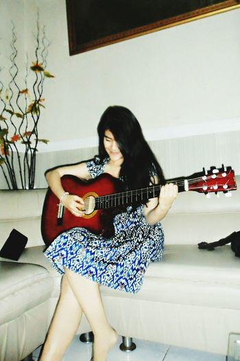 Playguitar Sexygirl Enjoying Life Indonesiangirl