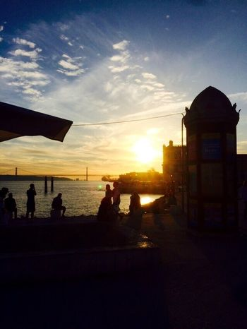 beautiful Lisboa Sunset Sunrays People Watching Warm Light Get Together Capture The Moment Capturing Freedom