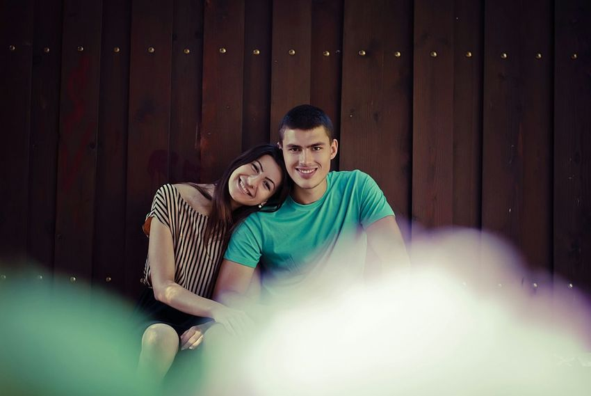 Love Love Is In The Air Love Story Romantic Hugs Couple Couple In Love Couple Photography