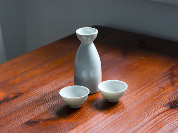 Sake bottle with 2 cups Bottle Ceramics China Close-up Couple Cups Day Drink Drinking Culture Food And Drink Ichigo Indoors  Japanese Food Minimalism Nihonshu No People No People, Refreshment Rice Wine Sake Still Life Table Two Wood - Material
