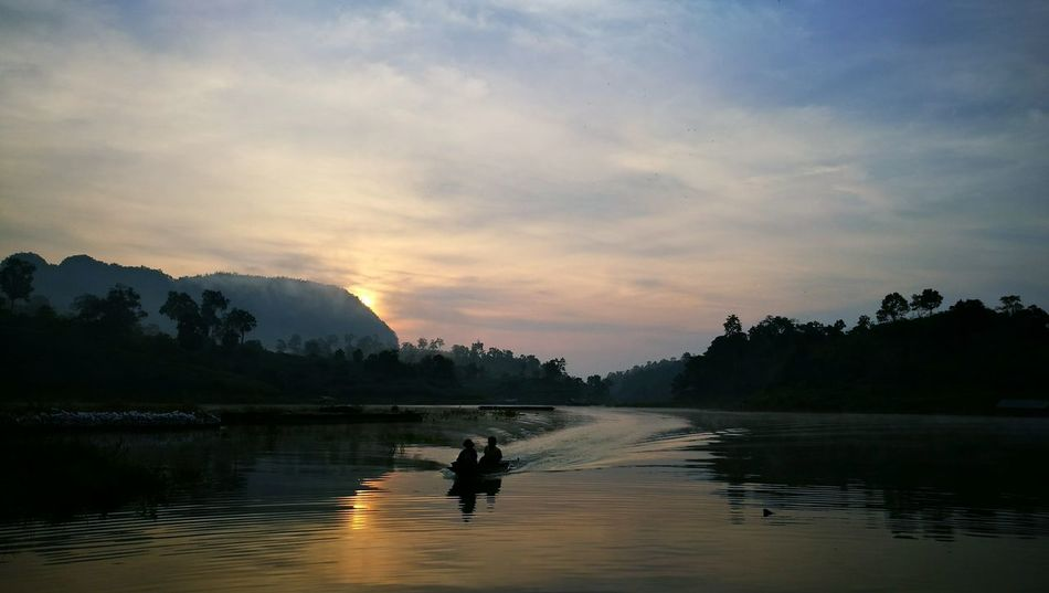 Landscape Sunrise EyeEm Selects Nature River Sky Rowboat Freshwater Sunrise - Dawn