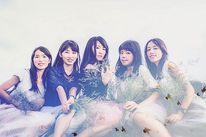 房號:2107 Girls Photo Photos Makeup Style Fashion MOVIE Light Green Sky 外拍 姐妹 閨蜜 Bbf