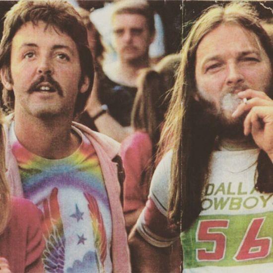 Una delle foto più belle che abbia mai visto! Paul And David Soundofsound Soundreturn Like4like BigMuff 80s Yes Music History Of Picoftheday Photooftheday Gilmour