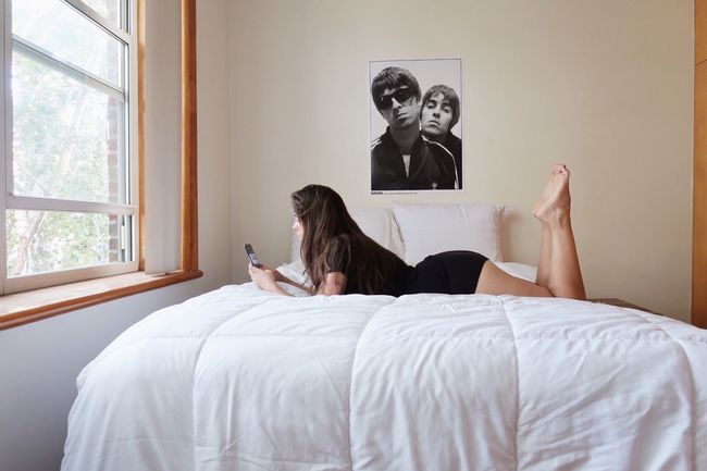Oasis Bed Furniture Bedroom Indoors  Technology Adult Women Home Interior Oasis Young Women Females Real People Wireless Technology Lifestyles First Eyeem Photo Sexygirl Sexyselfie First Eyeem Photo Curvy Curvygirls IPhoneography Canong7xmarkii