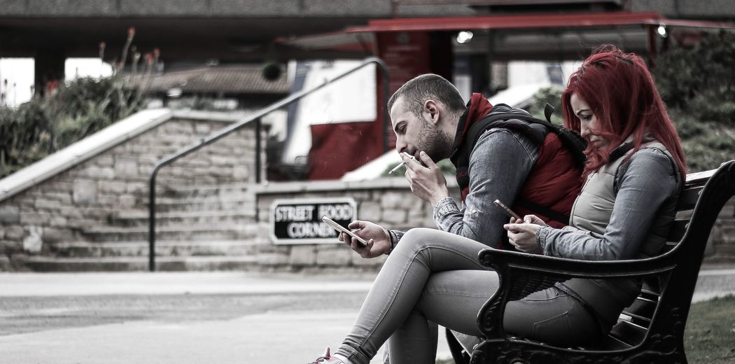Candid Candid Photography Colourcast Red Sitting Bench Strangers Smoking Phone Couple