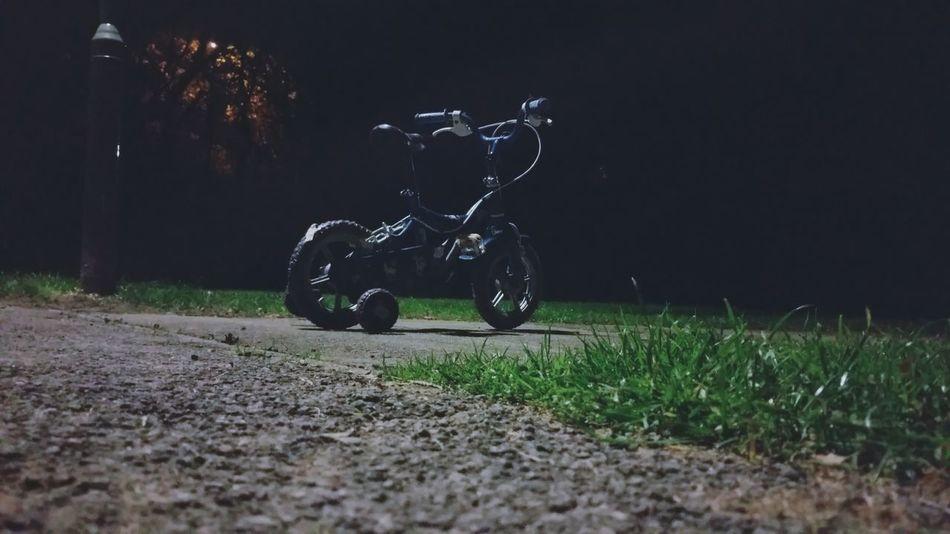Kids Bike Nightphotography i came across this on my way home walking my dog