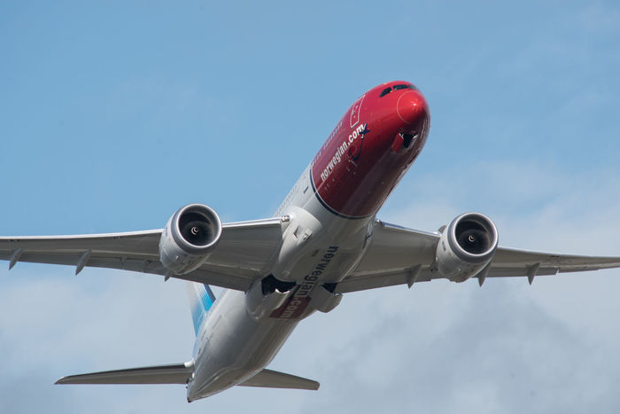 787 787 Dreamliner Clear Sky Cloud Dreamliner EyeEmNewHere Jet Engine Lift Off Low Angle View Red Take Off Travel Acceleration Air Travel  Airliner Airplane Angles And Lines Blue Blue Sky Built Structure Full Frame Jet Norwegian Speed Widebody