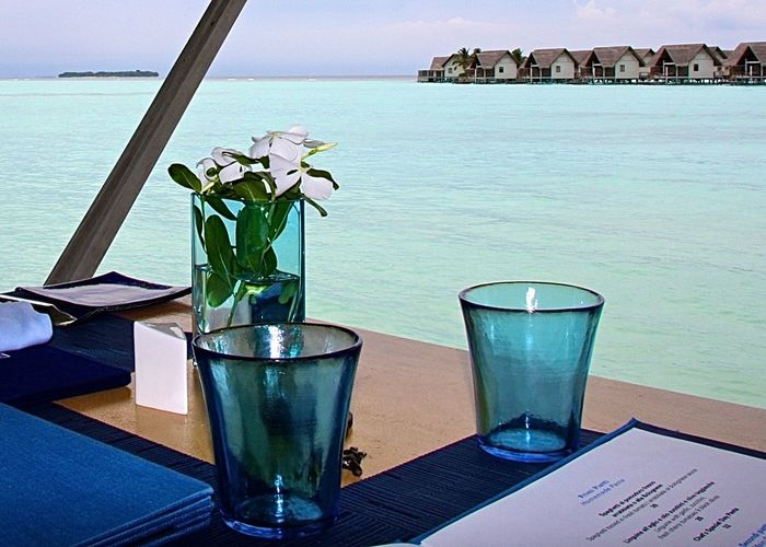 Amazing View Beachphotography Blue Close-up Drinking Glass Enjoying The View Flower Focus On Foreground Food And Drink Freshness Horizon Over Water Life Is A Beach Lifestyles Lunch Time! Maldives Refreshment Restaurant Still Life Table Take Your Place Wine Moments Travel Turquoise Watervillage Wineandmore Food Stories