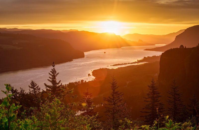 Columbia River Gorge Sunrise! Columbiarivergorge Oregon Sunrise Landscape