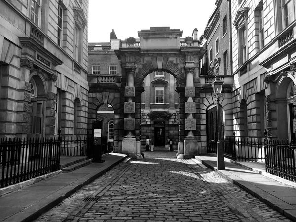Architecture Building Exterior Built Structure City Life City Footpath History London Londonlife Blackandwhite Monochrome Walkway