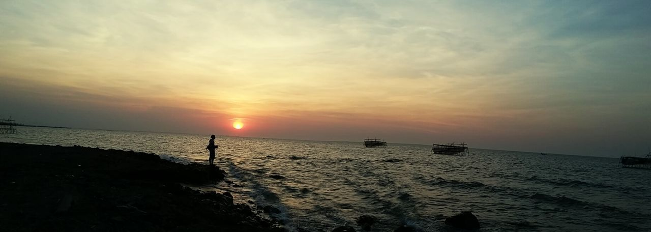 Creative Light And Shadow Phonecamera Taking Photos Tanjung Emas Sunset Silhouettes Yellow