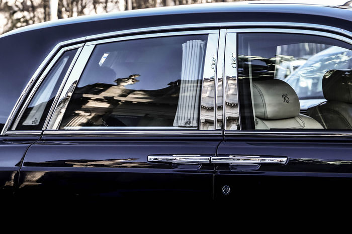 Reflections...✨ Billionaire  Cars Celebrity JetSet Luxurylifestyle  RichLife RollsRoycecars Royce SebastienFremont Artphotography Car Luxury Luxurycar Luxurylife Millionaire Phantom Photographer Photography Reflections Rolls Rollsroyce Rollsroycephantom Royal Supercars Window