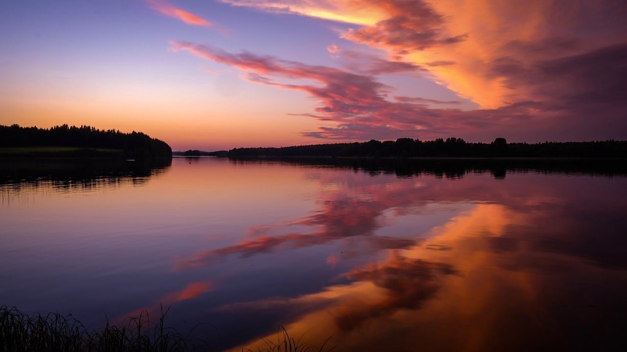 sky, sunset, water, cloud - sky, reflection, beauty in nature, tranquil scene, tranquility, scenics - nature, orange color, lake, idyllic, nature, no people, silhouette, tree, plant, non-urban scene, dramatic sky, outdoors, romantic sky