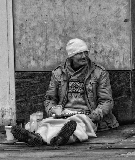 Have not took a picture for a while in my Series People of Manchester this is a NEW Capture People Of Manchester People Watching Homeless Human Condition EyeEm Best Shots Eyem Masterclass Eyeem Photography HDR Hdr Photography Fujifilm EyeEm Masterclass Close-up Street Life Streetphotography_bw Street Photography Bnw Bnw_life Black And White EyeEm Best Shots - Black + White Black & White Portriats Black And White Collection  Monochrome _ Collection Creative Light And Shadow Shades Of Grey Black And White Photography Monocrome Homeless Of Manchester Uk