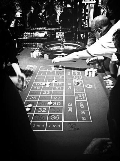 Roulette Black & White Monochrome Casino Gangsters Paradise