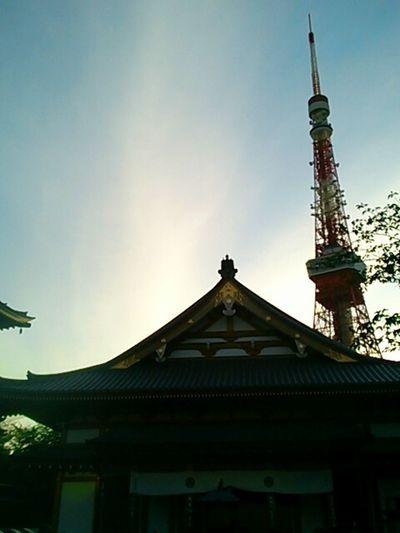 芝の増上寺です。 Shiba Zoujouji Sky And Clouds