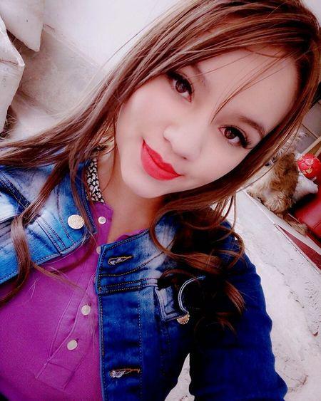 Cabello 💕🙈👌 lips #love #smile #pink cute pretty Besito💋 Buenasnoches✌ Labios Rojos  Linda 💜 Lips Qeen 👑 CaritaBonita Hermosa❤ Hermosa Beautiful Girl Besitosparatodos Latina ♥ Beautiful Woman Long Hair Looking At Camera Beautiful People Fashion