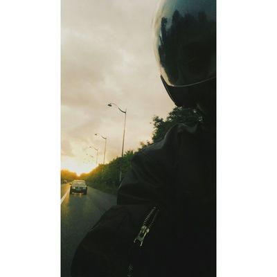 Sunset x scooter ? • VSCO Vscocam Vscofilm Vscofile sunny sunset sunsetsgram scooter paris vincennes france