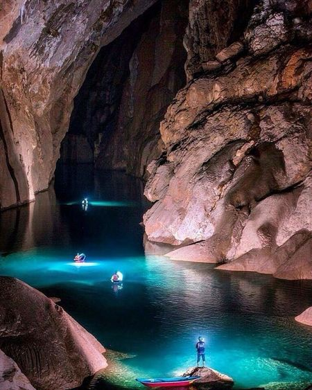 Last picture for today 😀😀❤️💙💙 Thanks guys follow my eye em 👍🏽 Son Doong Cave Vietnam 🎈👻 Water Cave Travel Beauty In Nature Beautiful Real Picture Cool Picture Hello World ❤ You Follow My Eye Em 💙 I Follow Back  Relax Amazing View