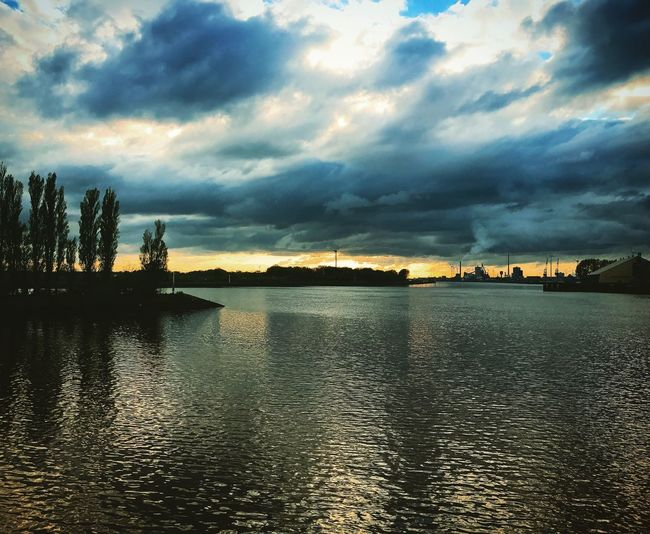 Überseestadt Bremen Sunset City Sunset Sky Cityriver Eveningmood Water Reflections Dramatic Sky SkyAndWater Cityhorizon Steelworks Heavy Industry Backgrounds Lost In The Landscape