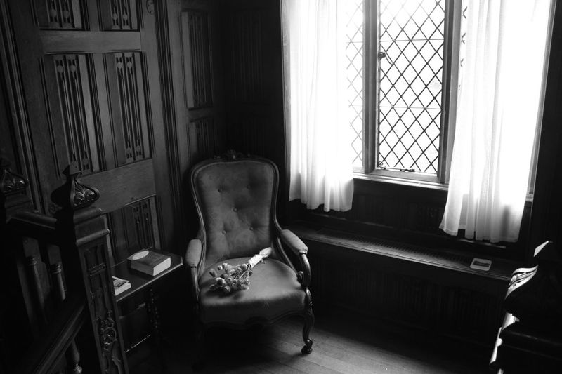 Historical Building Ightham Mote Black And White Chair Door Home Interior National Trust 🇬🇧 Old Window
