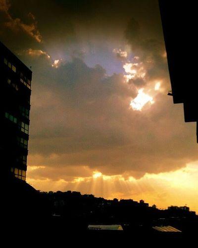 Caracas 5:30 pm. Fotografiandoconelcorazon IG_Venezuela Instafoto_ve LOVES_BESTHDR Decolor_es Worldcolours_hdr World_great Ig_caracas Ig_valencia Elnacionalweb Great_captures_venezuela Ig_venezuelan_pro Venezuela_estrella Caracas Ig_caracas