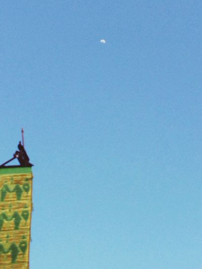 Morning Moon Hang Out Thai Temple Thailand_allshots