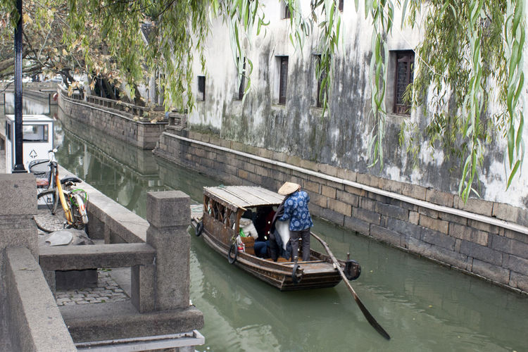 Suzhou China Architecture Boat Boatman Canon EOS 5DS China Chinese Culture Chinese Culture And History Chinese Identity Leisure Activity Mode Of Transport Ping Jiang Pingjiang Pingjiang River Suzhou Suzhou China SUZHOU PINGJIANG ST Suzhou River Suzhou, China Tourist Venice Of The East Water