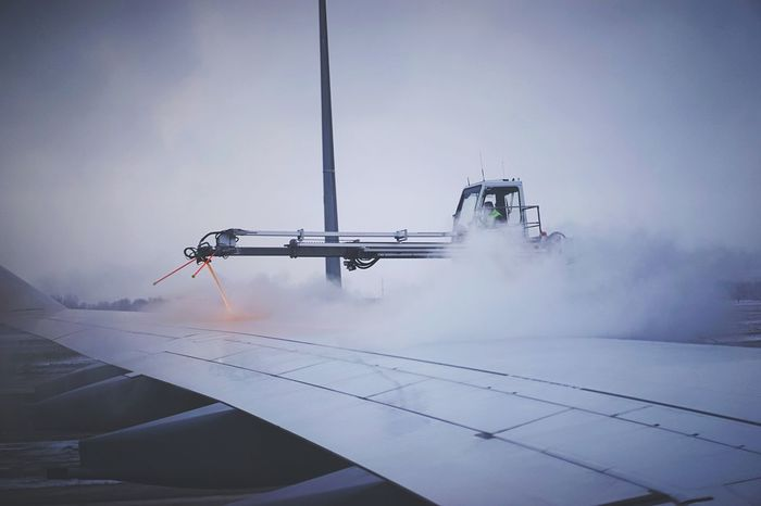 27/365: De-Icing. At a stopover in Munich it started to snow and the plane to San Francisco had to go through de-icing. It's a quite long time ago since I last saw this. 2015 In 365 Photos Project 365 Homebound From An Airplane Window Open Edit