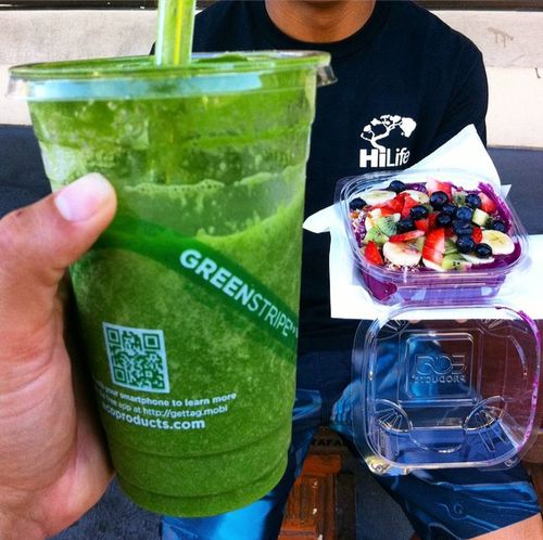 •WARNING• The *GREEN GIANT* Smoothie @hiblend (Highly Addictive) FRESH Local Kale, Organic Spinach, Orange, Seasonally Organic Green Grapes, Sourcing Local, Non GMO, All Natural & Organic Ingredients. STAY HEALTHY FRIENDS. Thank You For Supporting Local & Capturing An Awesomely Healthy Moment. CLEAN & HEALTHY LIVING Smoothie Hiblend Hawaii Green Green Green!  pPitaya #gree Giant