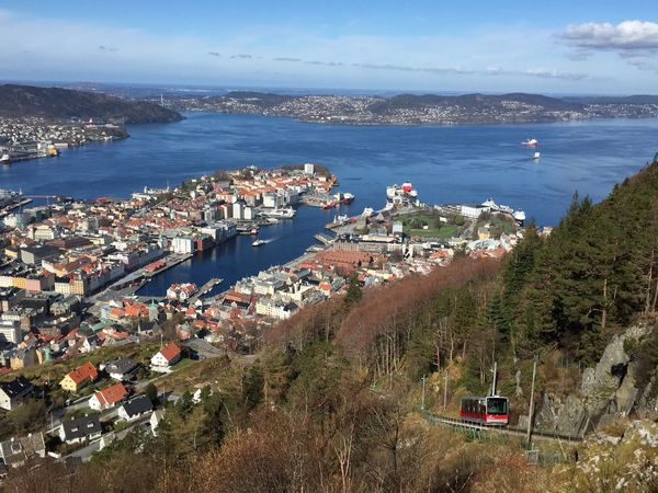 Bergen Fjord Funiculaire  Neige Norge Norvège  Printemps Snow