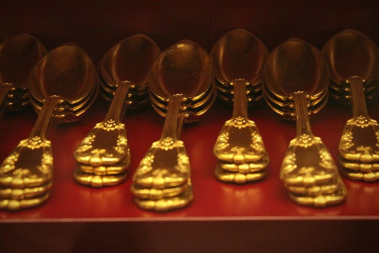 Beautifully Organized Golden Gold Spoons Royal Palace Torino Close-up No People Indoors  Large Group Of Objects Venariareale La Reggia Di Venaria