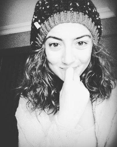 Black & White ⚫️⚪️✌🏻️ Blackandwhite Blackeagle Smile