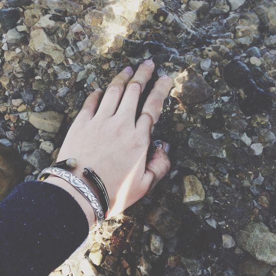 Relaxing lake Hand
