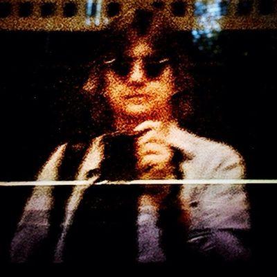 ..selfie as John Lennon? Hipstamatic Oggl Lowy Blanko일