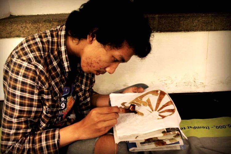 Picturing Individuality Making Batik Batik BatikIndonesia Traditional Culture Centing