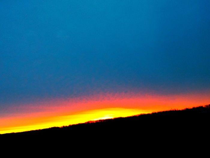 Fireball Sunrise... Skywatcher Sun Sunrisestalker Silhouette Sky Ilovesunrisesandsunsets Light And Shadow Godsbeauty Sky And Clouds
