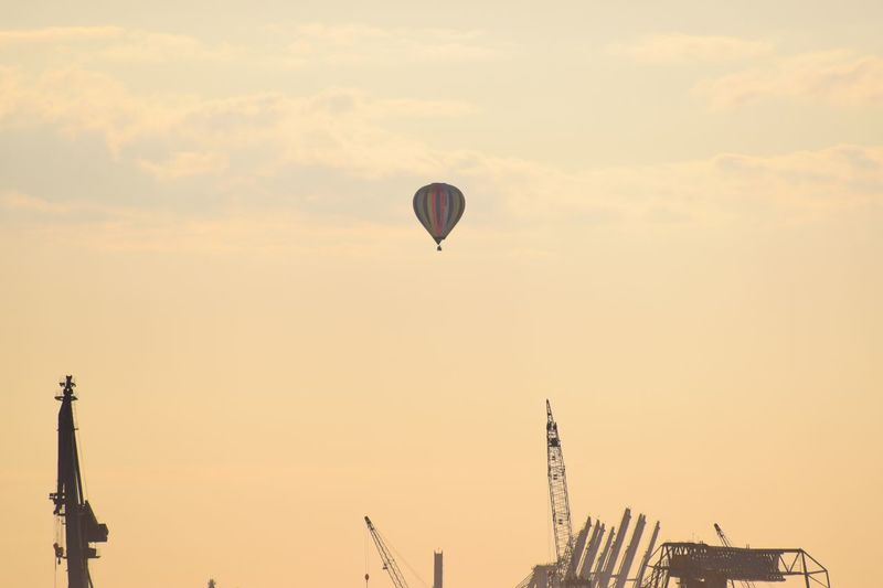 Hamburg Ballon Sky Flying Low Angle View Air Vehicle Mid-air Nature Sunset Balloon Hot Air Balloon Silhouette