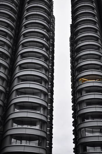 apartments Photowalktheworld EyeEm Selects The Architect - 2018 EyeEm Awards Black And White City Apartment Skyscraper Full Frame Conformity In A Row Stack Architecture Building Exterior Office Building Construction Air Duct Tall - High Tower