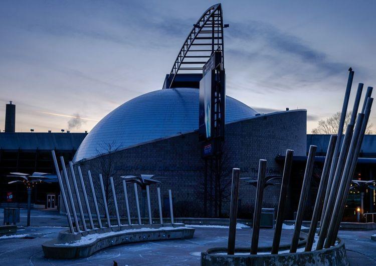 The Ontario Science Centre at dusk. Outdoors No People Architecture Fujifilm Toronto Ontariosciencecentre