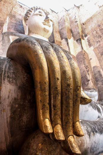 Bighand Buddha Buddhism Deterioration Focus On Foreground Hand Old Outdoors