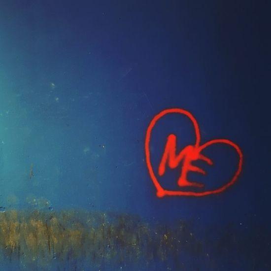 Me HeartToheart Wallasticker Redandblue Instagram Heartlikemine Colorpower TrustInYourself Love EyeEm Gallery My Photography EyeEm Best Edits Taking Photos Eyemphotography You And Me Against The World