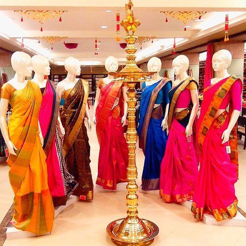 Mannequins draped in silk sarees at Jayalakshmi Silks & Sarees, Calicut (Kozhikode ), Kerala. Sarees Ethnicwear Purelyindian Jayalakshmisilks Indianwear Traditionalwear Silk Weddingsareess Kancheepuram Kerala Kozhikode Calicut