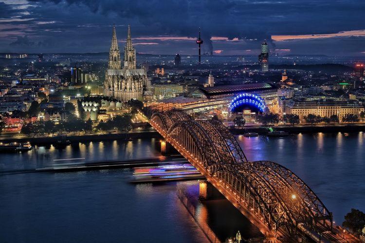 Köln skyline waterfront with dom and train station
