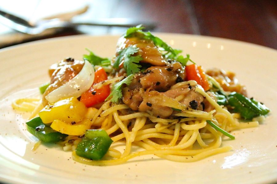 Spaghetti Dish No People Indoors  Close-up Serving Size Healthy Eating Freshness Ready-to-eat Food And Drink Food Plate Spaketty Chicken Meat Lunch Dinner