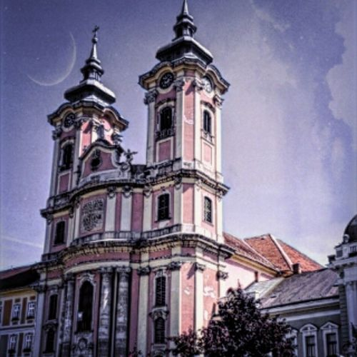 Made with Pixlr Autocontrast Mik Eger Magyarország Hungary Shot Temple Tower Clocktowers Ring Towerbell Bell Instahun Instamagyarorszag Architechture Arte Art Streetshot Street Church Religion Sky View Ig_magyarorszag sajatkep hungarian iponthu ikozosseg