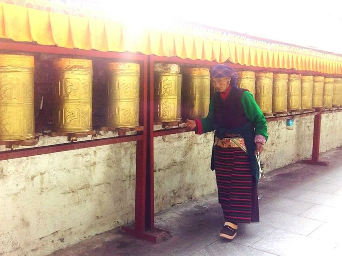 201708 Tibet Lhasa Potala Palace Ethnic Folk Custom Tibetan  Temple Sunlight Happiness Full Length Women Spirituality Standing Architecture Built Structure